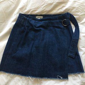 Madewell denim raw hem mini wrap skirt size 8